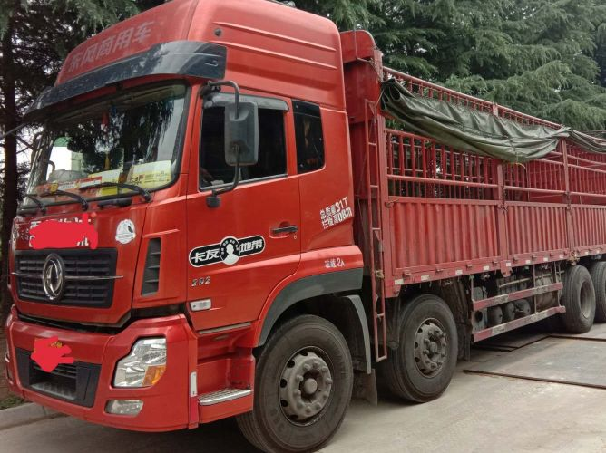 东风天龙 载货车  292匹 2014年09月 8x4