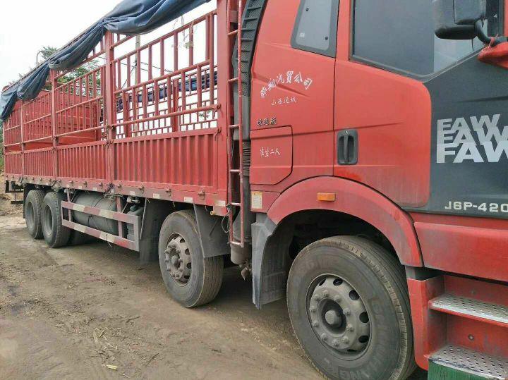 一汽解放J6P重卡 载货车  420匹 2017年11月 8x4