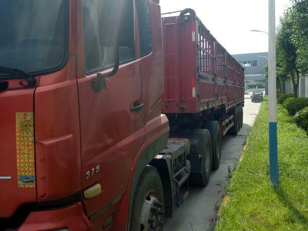 东风天龙 牵引车  375匹 2013年04月 6x4