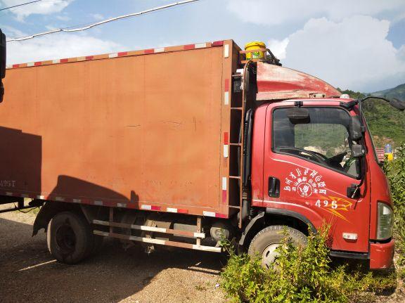 一汽解放J6 载货车  120匹 2012年12月 4x2