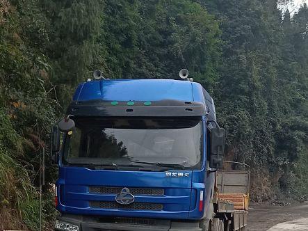 东风霸龙 牵引车  375匹 2013年02月 6x4
