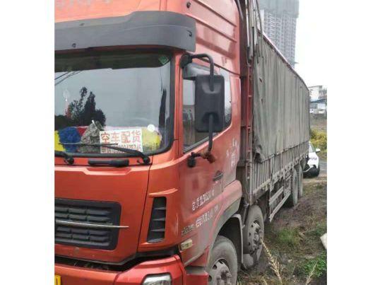 东风天龙 载货车  340匹 2014年03月 8x4