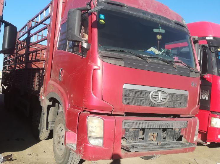 青岛解放其他车系 载货车  260匹 2011年04月 8x4